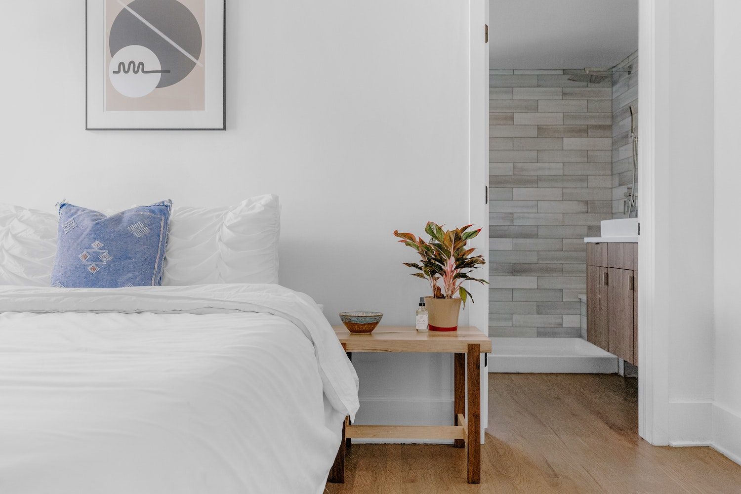 Featured image for How to: Choose the Best Colour Flooring for You